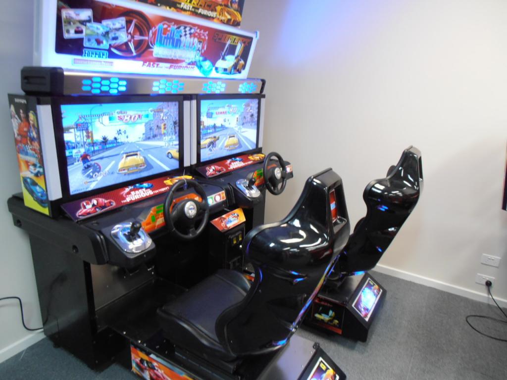 Driving Simulator Online >> Mr Pinball - Outrun 2 2013 Brand New Twin Driving Machine