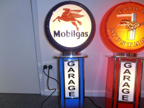 Mobil Service Station Garage Light up Wall Mount Globe