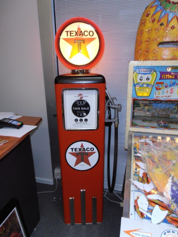 Texaco Light Up Full Size Petrol Bowser